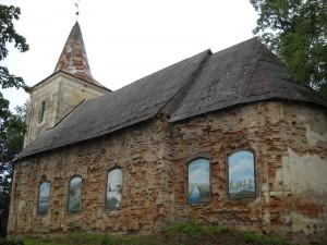 """Birķineļu baznīcai jauni """"logi"""""""